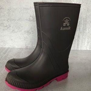 Kamik rain boots. Size2
